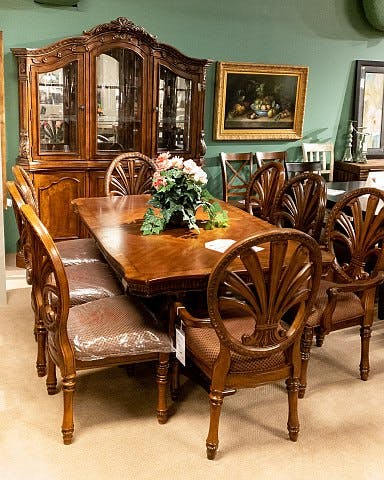 Beautiful Formal Dining Room Set With 8 Chairs 4499